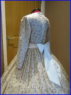 LADIES VICTORIAN/DICKENSIAN/CIVIL WAR STYLE COSTUME Approx size UK 14 (ref 220)