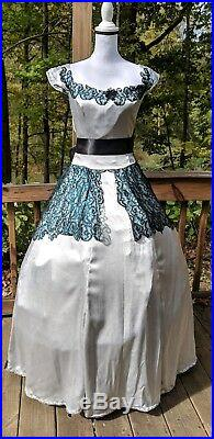 Victorian Civil War Hoop Dress Reenactment Costume With Lace Expandable